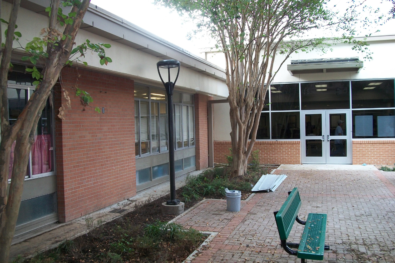 Sul Ross Middle School - KNRG Architecture
